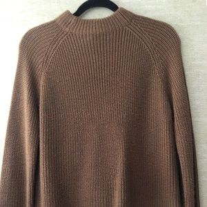BROWN Mock neck knit sweater